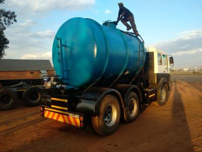 MERCEDES BENZ V SERIES WATER TANKER
