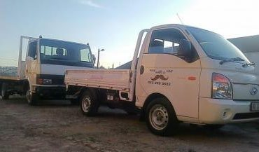 WE WILL BEAT ANY PRICE! Bakkie For Hire in Durban