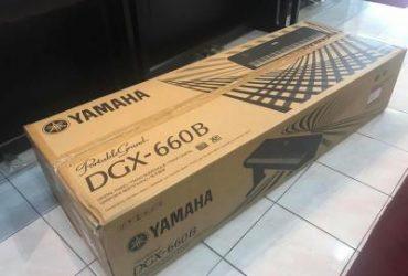 Yamaha DGX-660B Digital grand piano Black