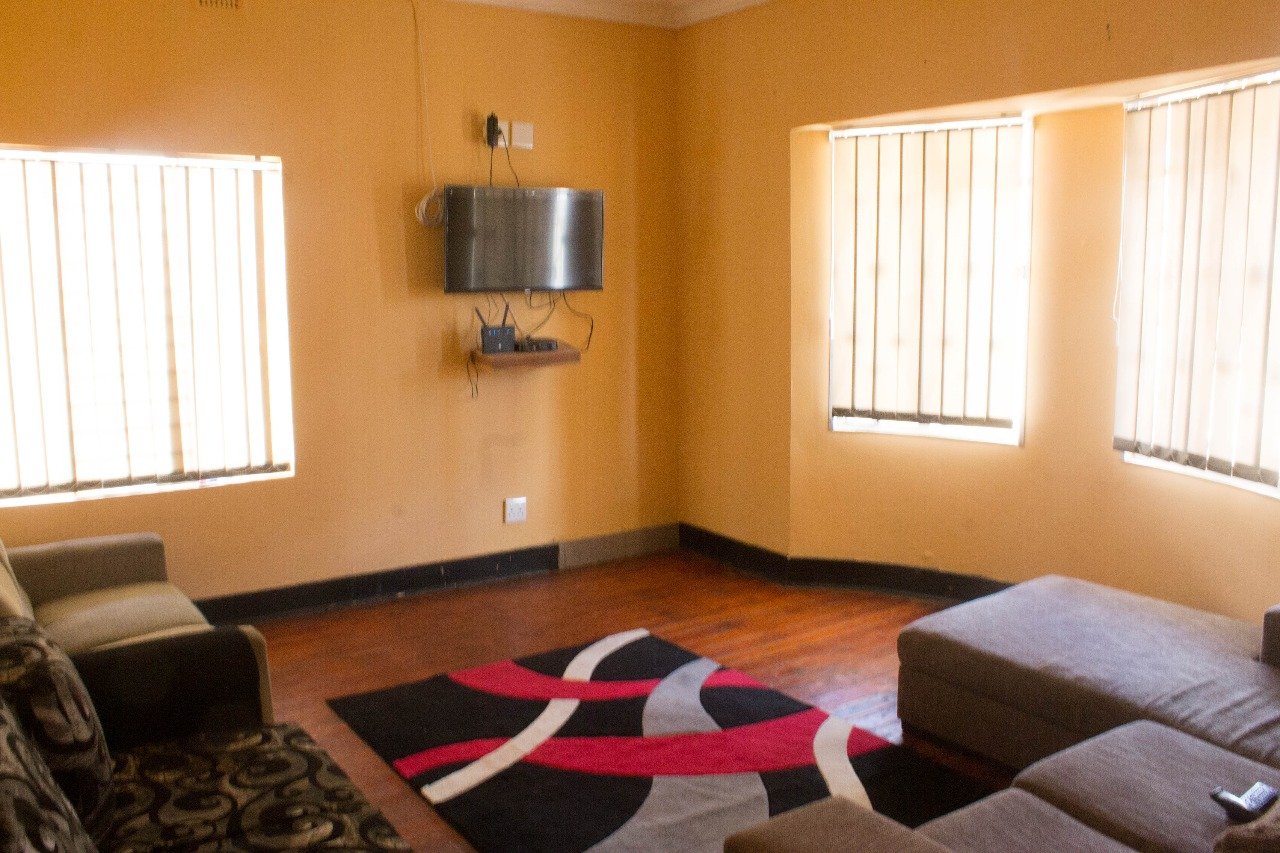 FULLY FURNISHED COMMUNES AND COTTAGES AVAILABLE FOR PROFESSIONALS AND STUDENTS