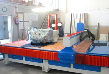 R-2040LK/30L EasyRoute 380V Lite 2050x4000mm PVC Clampable Vacuum CNC Router, 3kW Water