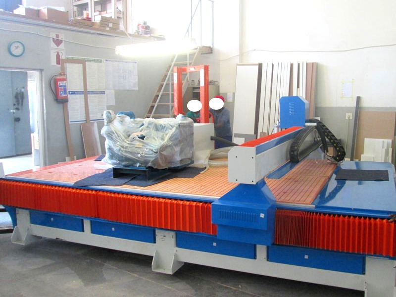 R-2040LK/30L EasyRoute 380V Lite 2050x4000mm PVC Clampable Vacuum CNC Router, 3kW Water