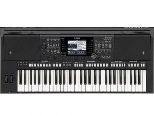 Yamaha PSR-S750 Keyboard available for sale
