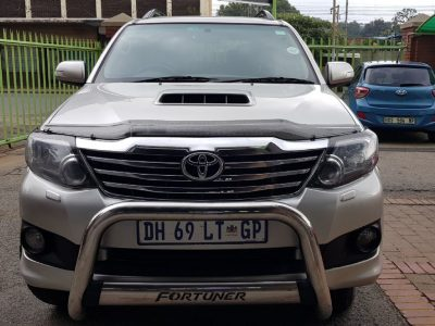 2015 TOYOTA FORTUNER 3.0L D-4D 4X4 MANUAL
