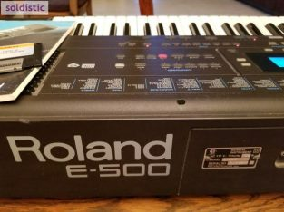 ROLAND E500 KEYBOARD AND CASIO WK-3300 KEYBOARD