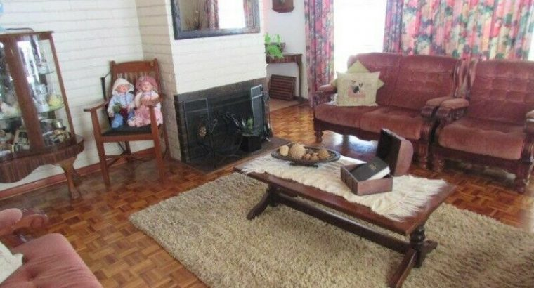 GOODWOOD ESTATE: 4BED HOUSE, 3GARAGES, 5CAR DRIVEW