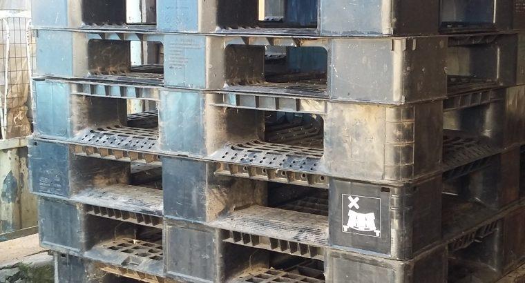 Plastic pallets for sale