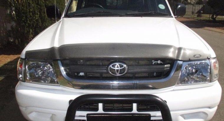 '02 Toyota Hilux 2.7i Raider D/Cab