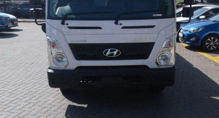 2020 Hyundai EX-8 3.9 Dropside A/C LWB
