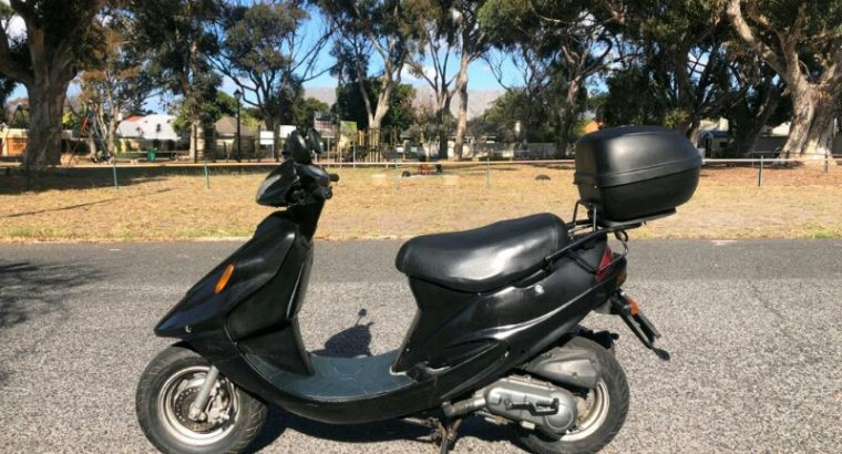 Kymco 100 Scooter
