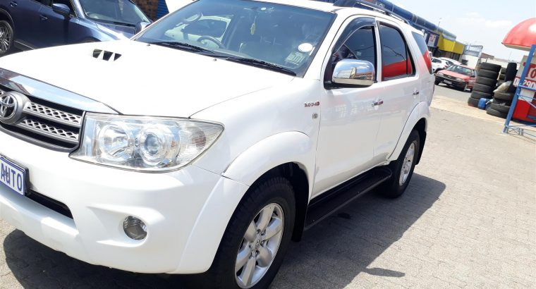 2011 Toyota Fortuner 3.0D 4D automatic