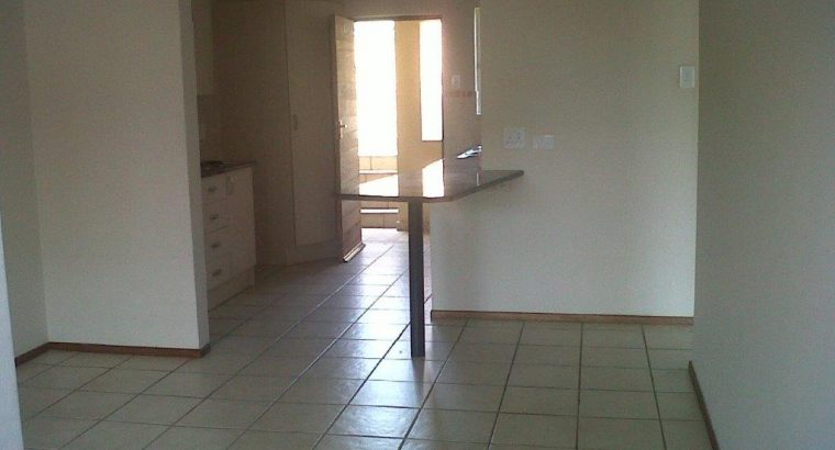 2 bed unit to rent Brentwood Park