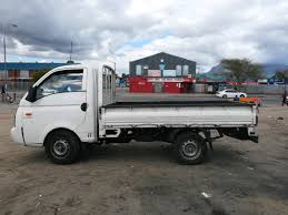 BAKKIE FOR HIRE IN EAST RIVE