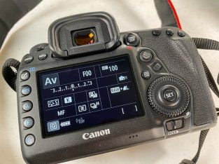 Canon EOS 5D Mark IV 30.4MP Digital SLR Camera