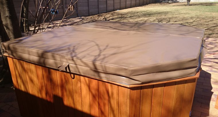 Spa and Jacuzzi Covers