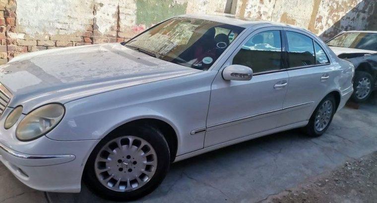 Mercedes W211 stripping 0780665167