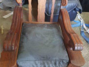 Antique arm chair